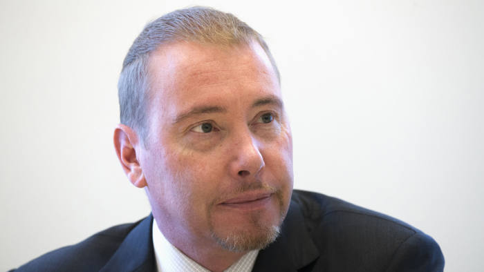 """Jeffrey Gundlach, star bond investor and head of DoubleLine Capital LP, is photographed during an interview in New York  May 15, 2013. Gundlach said on Wednesday that Japan's Nikkei stock market index will hit 17,000 before year-end, and that $380 is the """"perfect price"""" at which to short Chipotle.    REUTERS/Adrees Latif  (UNITED STATES - Tags: BUSINESS HEADSHOT) - RTXZNX5"""