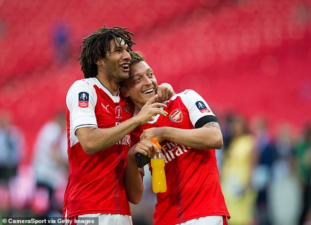 Mohamed Elneny says his Arsenal team-mate Mesut Ozil wants to join him in Turkey