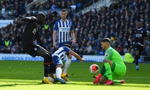 Crystal Palace's Cheikhou Kouyate effort is saved by Brighton & Hove Albion's Mathew Ryan.