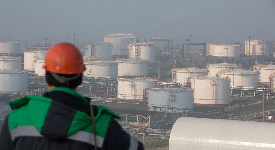 RUSSIA STORAGE OIL