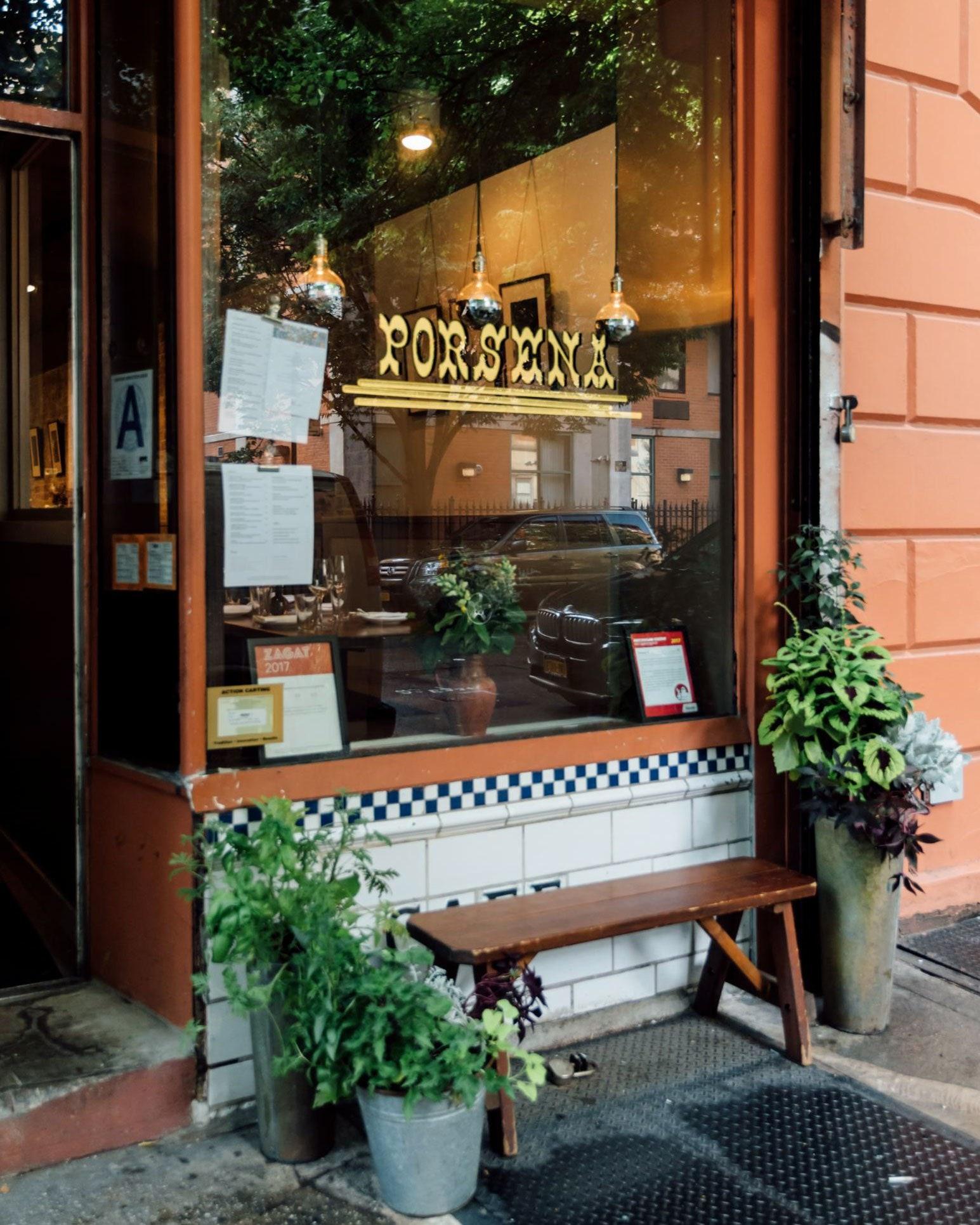 The front of the restaurant Porsena.