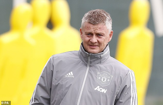 Manchester United will now look at other options to strengthen their midfield this summer