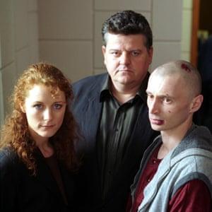 Geraldine Somerville, Robbie Coltrane and Robert Carlyle in Cracker, 1994.
